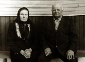 Спадарыня Ядзвіга  з мужам. Здымак  зроблены  напрыканцы 80-х.