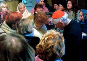 Вернікі парафіі св. Андрэя, апостала, з Нарачы віншуюць  кардынала Казіміра Свёнтка з 95-й гадавінай з дня нараджэння. Пінск, 2009 г.