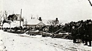 Пахавальная працэсія на санях з трунамі 11 сясцёр 19 сакавіка 1945 г.