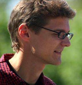 Илья Лапато