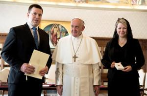 Папа и пр-мин-Эстонии Юри Ратас