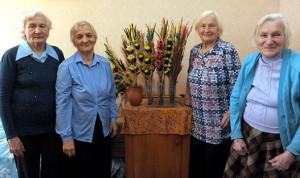 Майстры па стварэнню гарадзенскіх вербаў. Злева направа:  сёстры Часлава, Дамініка,  Данута, Ванда – з дому Сарасек.
