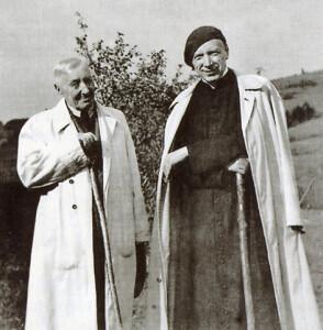 Кардынал Стэфан Вышыньскі  са сваім бацькам  Станіславам у Каманчы (1956 г.)
